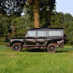 Land Rover Defender 2.5 TD5 Station Wagon 9 persoons Santorini Black – 365.168km – BJ2000